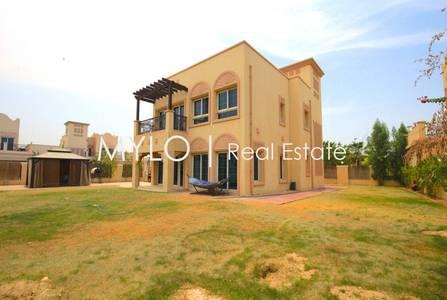 2 Bedroom Villa for Rent in Jumeirah Village Triangle (JVT), Dubai - Large Corner Plot 2 BR Villa Across Park