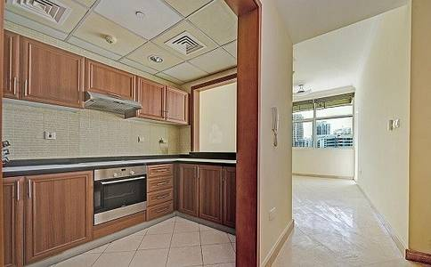 1 Bedroom Flat for Rent in Dubai Marina, Dubai - Right Next to Beach @ 62K - Chiller Free