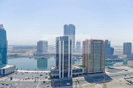2 Bedroom Flat for Sale in Downtown Dubai, Dubai - Spacious 2 BR w/ Balcony and B-Bay Views