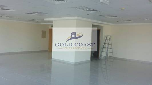 Office for Rent in Business Bay, Dubai - Fitted Office with Pantry & Toilet | Ready to Move In