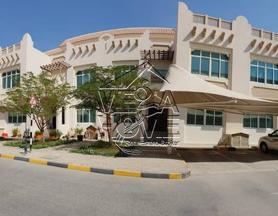 5 Bedroom Villa for Rent in Khalifa City A, Abu Dhabi - BRIGHT-5 Master Bed Villa with Shared Pool, Gym, Party Room