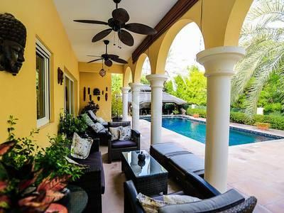 5 Bedroom Villa for Sale in Green Community, Dubai - Impressive 5B Beautifully Presented Home