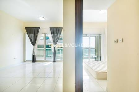 1 Bedroom Flat for Rent in Dubai Marina, Dubai - One plus Maid| Good Price|Close to Metro