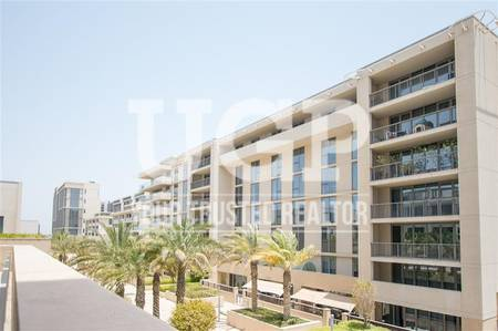 3 Bedroom Flat for Sale in Al Raha Beach, Abu Dhabi - Spacious 3BR w/ Parking and Full Sea view