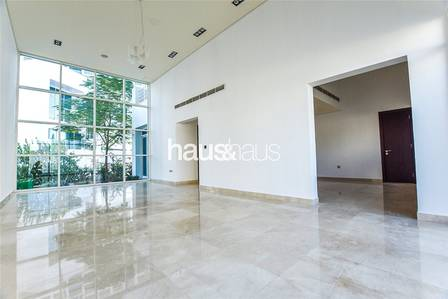 5 Bedroom Villa for Rent in Al Sufouh, Dubai - Private Pool| 5 beds + Maids| Immaculate