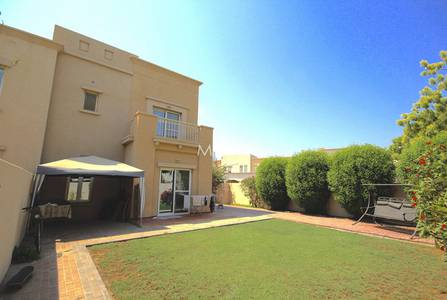 3 Bedroom Villa for Rent in The Lakes, Dubai - Immaculate CE | End unit |  Next to Pool