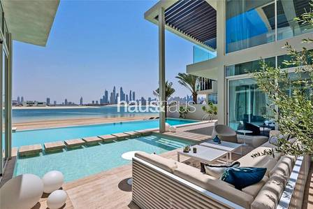 6 Bedroom Villa for Sale in Palm Jumeirah, Dubai - Ocean Breeze Modern | Luxury Tip Mansion