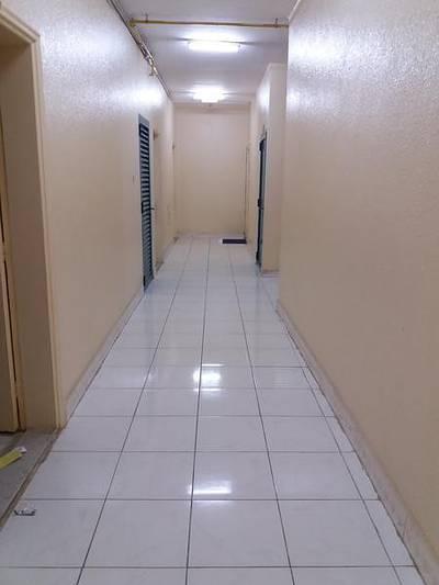 شقة 2 غرفة نوم للايجار في النهدة، الشارقة - !! 2 bhk in 24k with 1 Bathroom   6 chq\\\'s close to KFC in al nahda sharjah