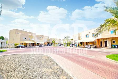 2 Bedroom Villa for Sale in Al Reef, Abu Dhabi - Hot Deal! Vacant 2BR with Private garden