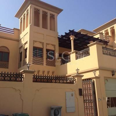 5 Bedroom Villa for Rent in Jumeirah, Dubai - 5BR Villa w/Pool Dubai Water Channel View
