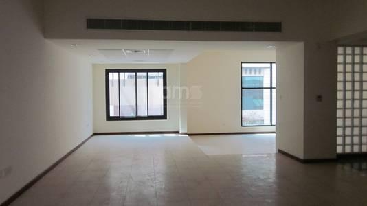 5 Bedroom Villa for Rent in Al Mushrif, Abu Dhabi - 5BR Villa in a Small Compound in City Center