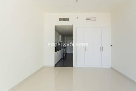 Studio for Rent in DAMAC Hills (Akoya by DAMAC), Dubai - Large Kitchen   Appliances   Four Cheques