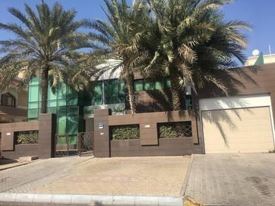 Villa for Rent in Al Zaab, Abu Dhabi - Modern Design Villa with High End Finishing