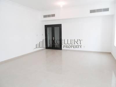 2 Bedroom Flat for Rent in Al Najda Street, Abu Dhabi - Wonderfully Maintained 2 Bedroom Flat  with Maids Room  in Najda Street