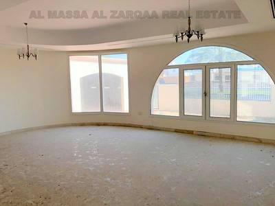 5 Bedroom Villa for Rent in Jumeirah, Dubai - Main Road Commercial Villa 5 Bedrooms  in Jumeirah 1