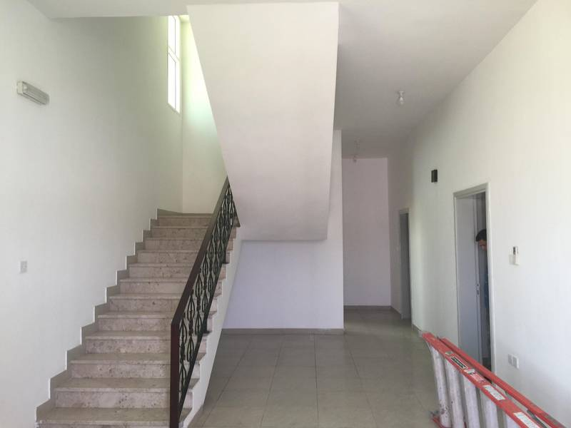 2 Charming Villa with ample parking for Rent