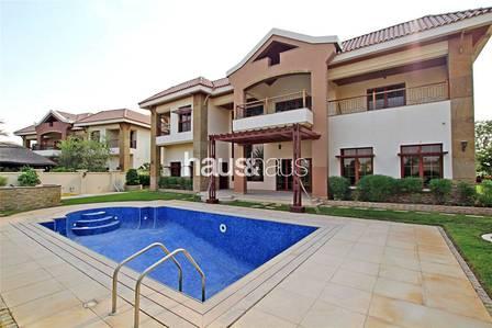5 Bedroom Villa for Rent in Jumeirah Islands, Dubai - Mansion | Magnificent Lake Views| Vacant