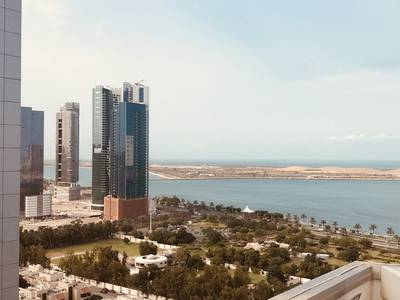 6 Bedroom Flat for Rent in Al Mina, Abu Dhabi - Unique Duplex Penthouse with Pool and Terraces