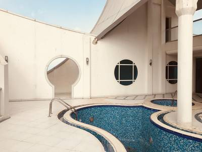 6 Bedroom Apartment for Rent in Al Mina, Abu Dhabi - Executive Penthouse Suite with Pool and Sea Views