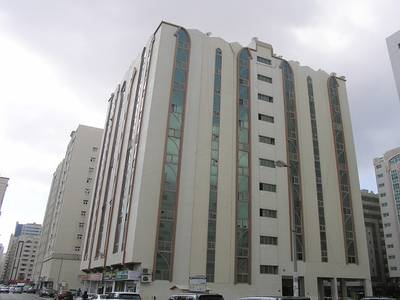 2 Bedroom Flat for Rent in Al Mahatah, Sharjah - SPACIOUS 2 B/R FLAT WITH SPLIT DUCTED A/C IN OPPOSITE AL MAHATAH PARK