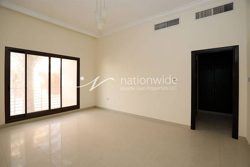 2 Vacant Now 4BR Villa w/ Pool in Khalifa City