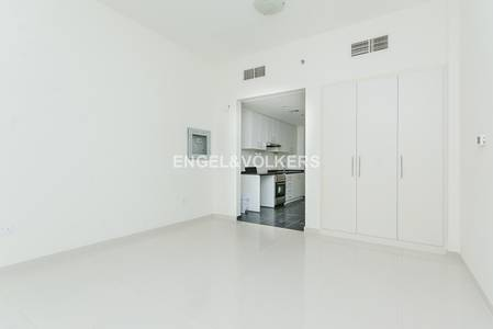 Studio for Rent in DAMAC Hills (Akoya by DAMAC), Dubai - Open View of Golf Course   With Appliances