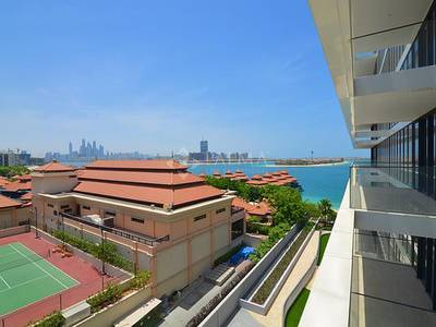 2 Bedroom Flat for Sale in Palm Jumeirah, Dubai - Amazing Offer for a 2 bedroom with partial sea views