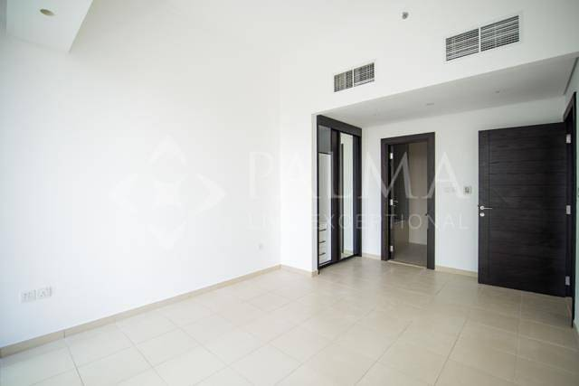 2 Exclusive | Elegant Apartment | Silverene Towers | Vacant end September