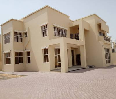 5 Bedroom Villa for Sale in Al Hamidiyah, Ajman - Excellent European villa for sale in Ajman, Ajman citizens only have a beautiful, new, first inhabit