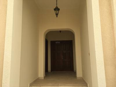 5 Bedroom Villa for Rent in Al Bateen, Abu Dhabi - Well maintained 5 master bed villa in Bateen