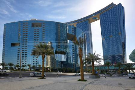 5 Bedroom Penthouse for Rent in Al Reem Island, Abu Dhabi - Fancy 5BR+Maid's Room in Gate. 4 Payments!