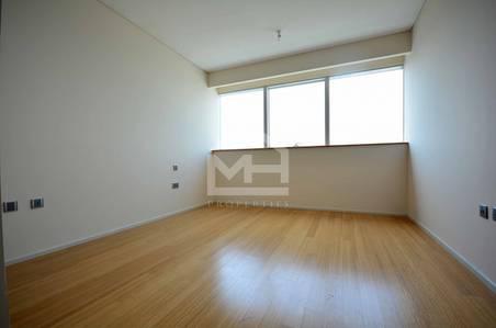 4 Bedroom Flat for Sale in Al Raha Beach, Abu Dhabi - Huge 4BR+M+Balcony w/ Stunning Sea View