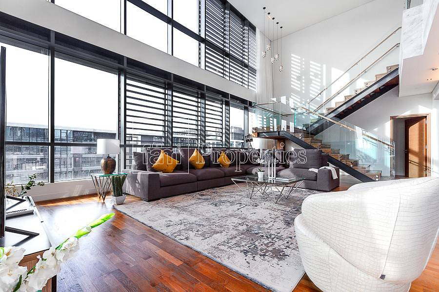 2 Magnificent| Duplex with Boulevard Views