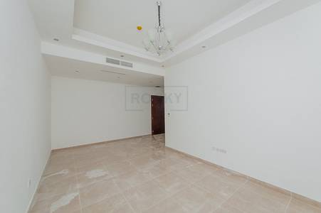2 Bedroom Flat for Rent in Deira, Dubai - 2 Bedroom   Close to Metro Station   Hor Al Anz   Deira