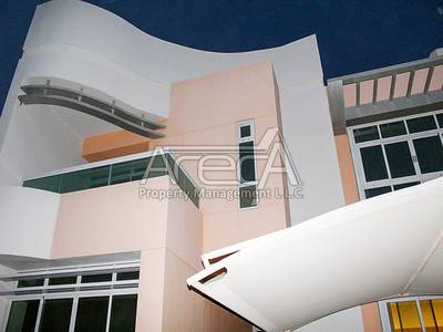 5 Bedroom Villa for Rent in Eastern Road, Abu Dhabi - Deluxe 5 Bed Villa! Perfectly Located in Khalifa Park Area