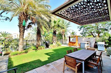 4 Bedroom Villa for Sale in Arabian Ranches, Dubai - LAKE VIEW|FULLY UPGRADED|ONE OF A KIND
