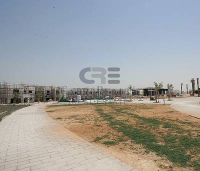 3 Bedroom Villa for Sale in Dubailand, Dubai - Independent villa 20 mins from Downtown
