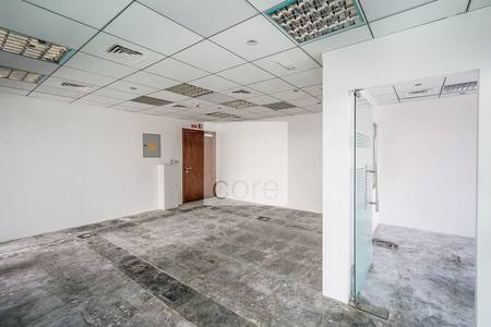 Office for Rent in Dubai Internet City, Dubai - Low Floor I Fitted office with partitions