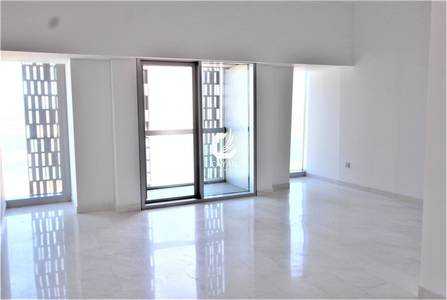 2 Bedroom Flat for Sale in Dubai Marina, Dubai - Great View! 2 Bed Larger Unit in Cayan!!