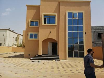 6 Bedroom Villa for Sale in Musherief, Ajman - Villa for sale in Musharef area very privileged good price locichan