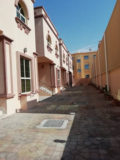 Fantastic Five Master Bedroom VIlla Compound With Maid's room In Khalifa A