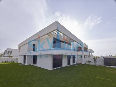 4 Bedroom Villa for Sale in Yas Island, Abu Dhabi - 4-bedroom-villa-west-yas-yas-island-abudhabi-uae