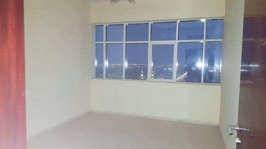 2 Bedroom Flat for Rent in Al Mahatah, Sharjah - Spacious 2 B/R Hall Flat behind mega mall