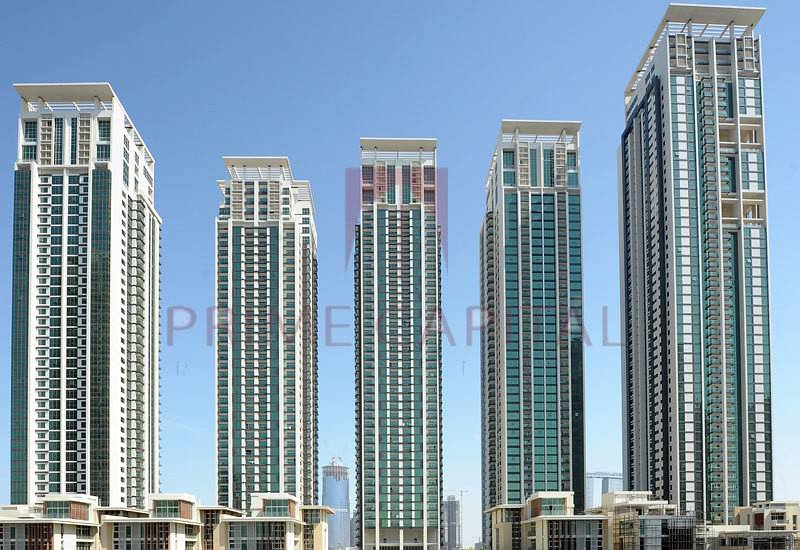 Available for rent in Marina Square! 1 BEDROOM APARTMENT UNIT.
