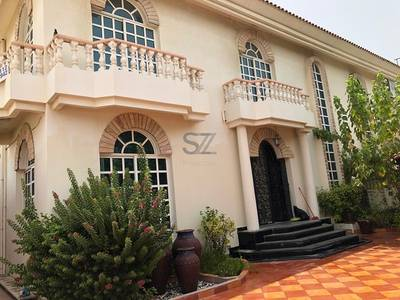Building for Rent in Jumeirah, Dubai - Commercial villa with Nursery permit behind Box Park