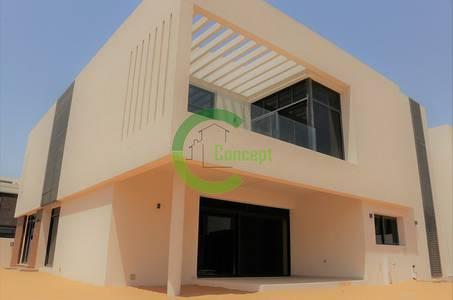 5 Bedroom Villa for Sale in Yas Island, Abu Dhabi - Zero Service Charge 5BR Villa W/ Garden!