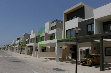 3 Bedroom Villa for Sale in Al Salam Street, Abu Dhabi - Hot Deal! 3BR Villa with Great Amenities