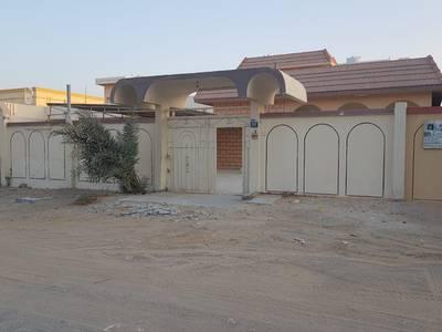 3 Bedroom Villa for Rent in Al Rawda, Ajman - VILLA 3 BEDROOMS HALL MAJLIS WITH A/C LOCAL OWNER  AL RAWDA CHEAP DEAL
