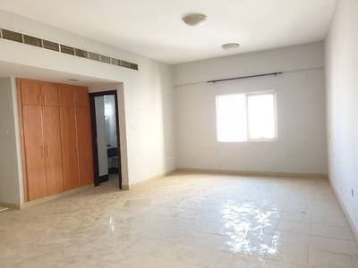 Studio for Rent in Al Nahda, Sharjah - Luxurious studio rent 24k 900 sqft 6 cheques.