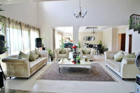 4 Bedroom Villa for Rent in Jumeirah Islands, Dubai - Extended & Fully Upgraded - Available Now